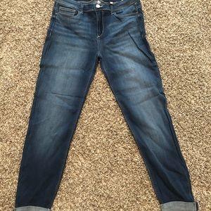 Sneak Peek Boyfriend Jeans NWT 9/ 29 Medium Wash